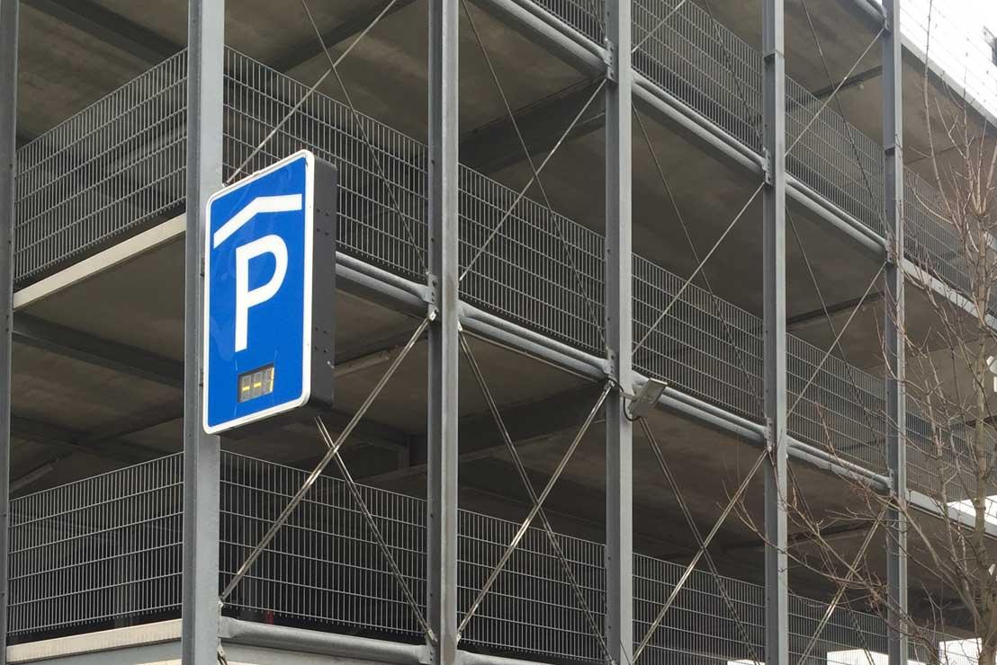 parken flughafen d sseldorf 7 tage ab 35 parkplatztarife. Black Bedroom Furniture Sets. Home Design Ideas